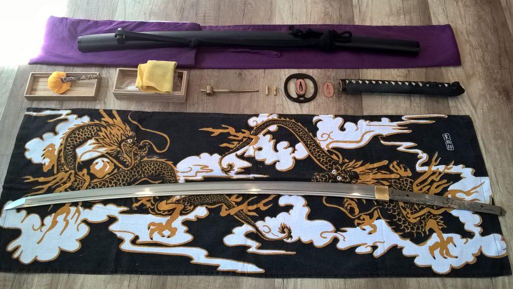 Iaito Demontage und Montage der Tsuka, Tsuba und Seppa